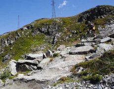 TrailCamp Aostatal. entdecke die besten Trails zwischen Matterhorn & Mont Blanc. Geführte MTB Touren mit Shuttle und Lift. Bikepark Pila & Bikepark Cervinia inklusive. Das Mountainbike TrailCamp in Aosta und Valtourneche