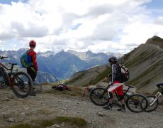 enduro-transalp-trailholidays-mountainbike-trail-reise-alpen-livigno-freeride-shuttle-transalp-trails-header-7