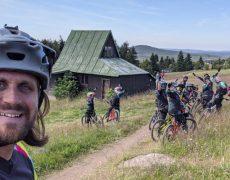 trailholidays-trailacademy-mtb-ferien-camp-jugendliche-erzgebirge-bikeparks-deutschland-sommerferien-mountainbike-freizeit-reise-12